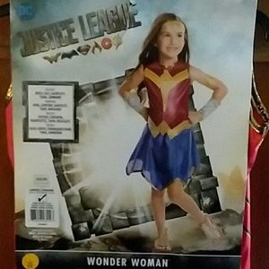 Other - BRAND NEW WODERWOMAN COSTUME SIZE LARGE